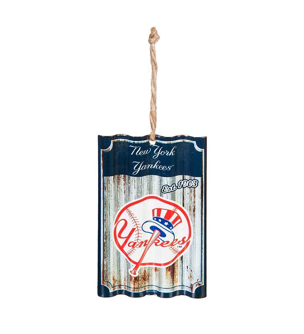 NY Yankees Corrugated Metal Ornament