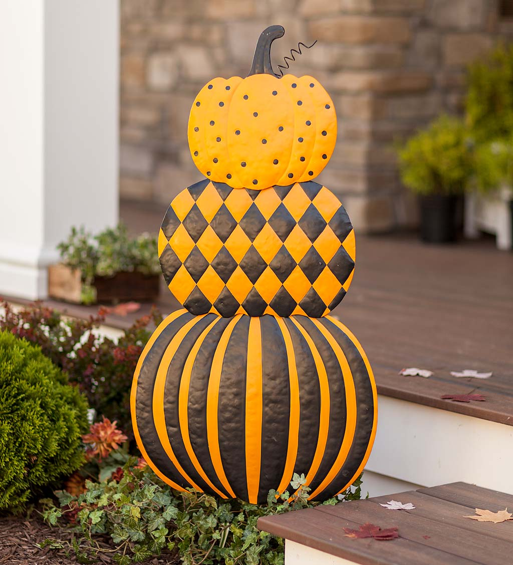 Stacked Pumpkins Painted Metal Garden Stake - Halloween Decorations