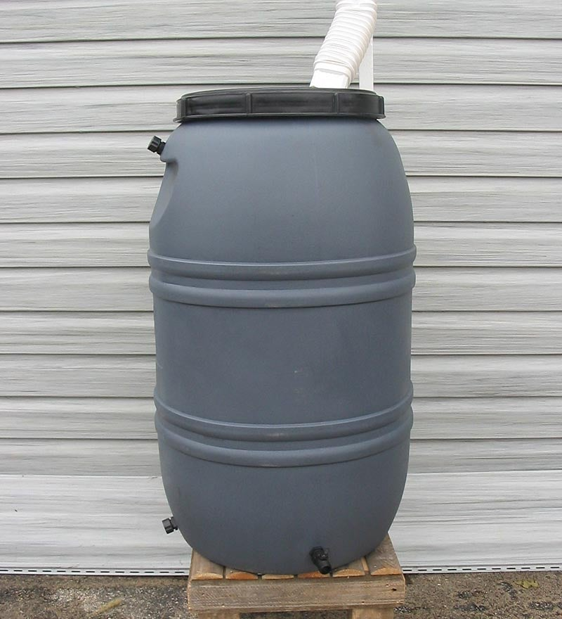 Weather-Resistant Polyethylene Plastic 55-Gallon Rain Barrel
