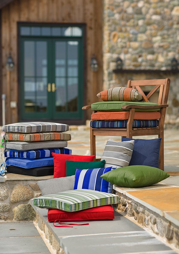Sunbrella Deluxe Chair Cushion With Ties